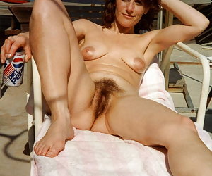 Amateur Hairy Wife