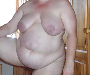 Mature BBW Housewife