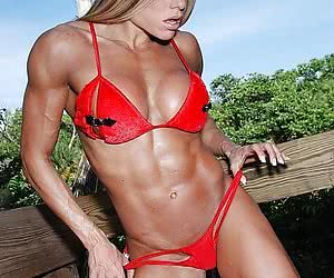 Buff babe shows off her muscles.