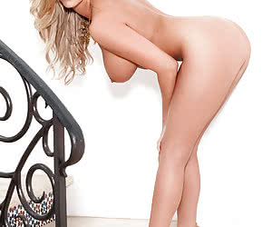 Related gallery: blonde (click to enlarge)