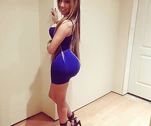 Category: curves in tight dresses