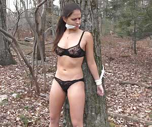 Category: outdoor bondage